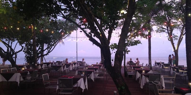 オンザビーチのレストラン